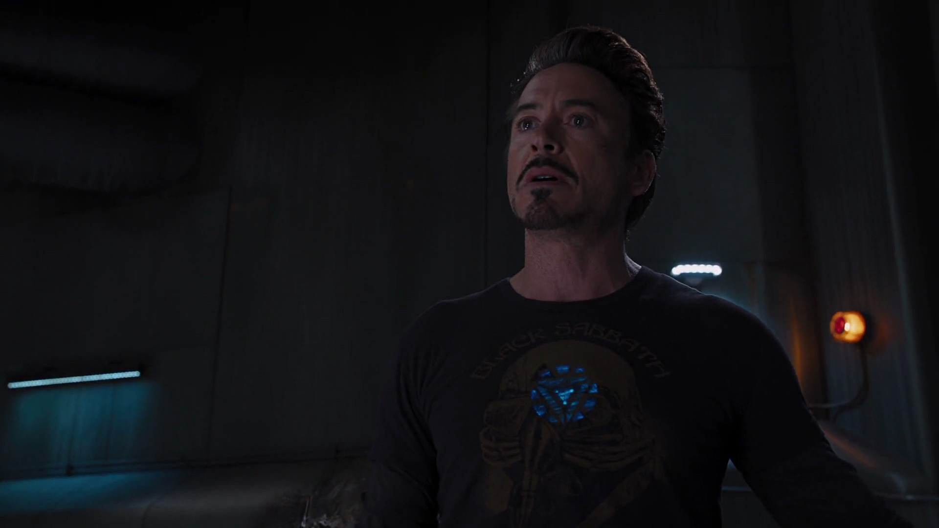 http://www.caps.media/201/2-avengers/full/avengers-movie-screencaps.com-11487.jpg