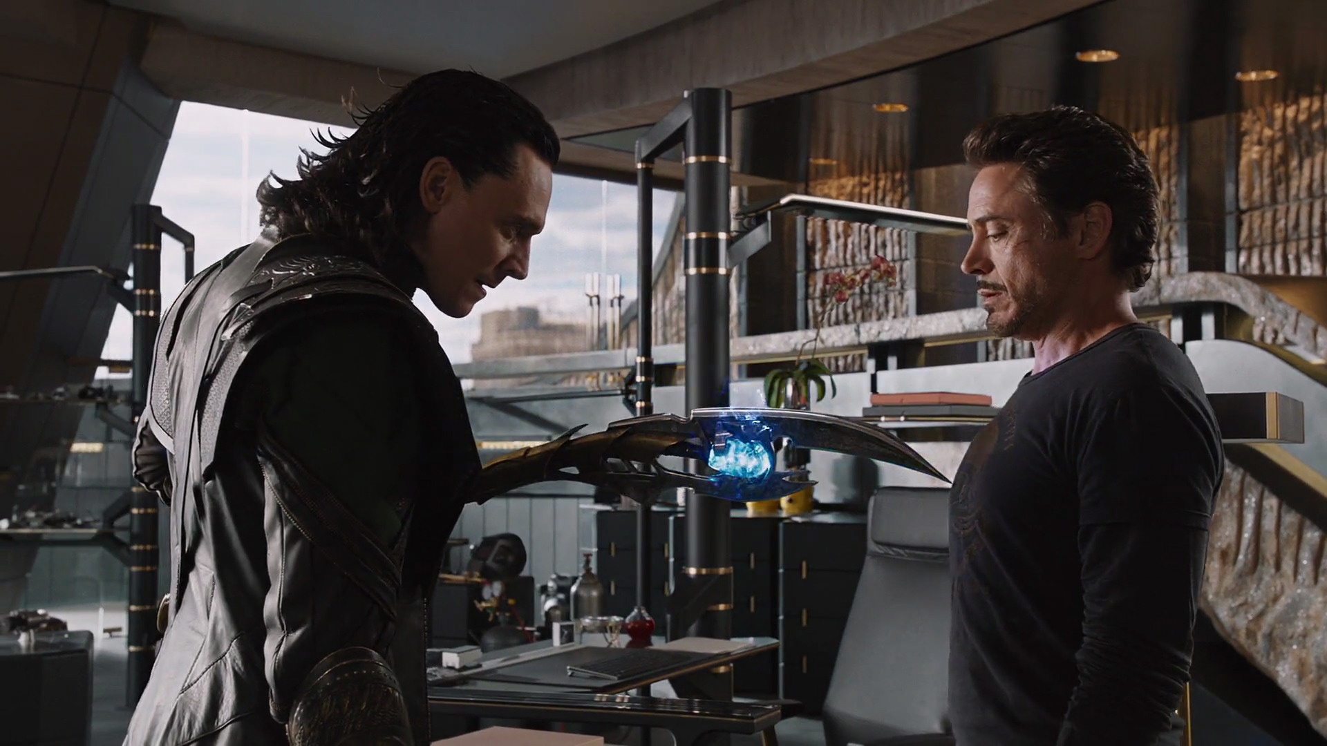 http://www.caps.media/201/2-avengers/full/avengers-movie-screencaps.com-12039.jpg