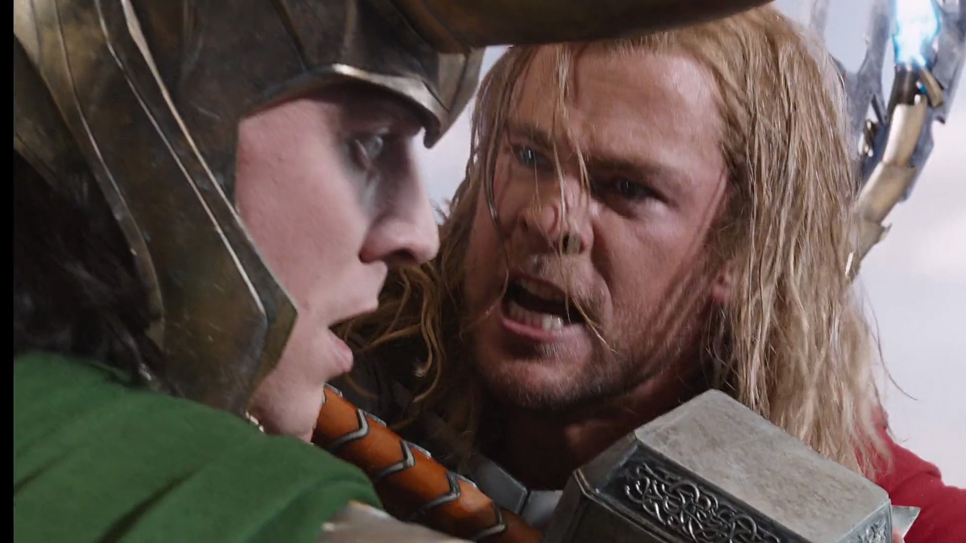 http://www.caps.media/201/2-avengers/full/avengers-movie-screencaps.com-12709.jpg