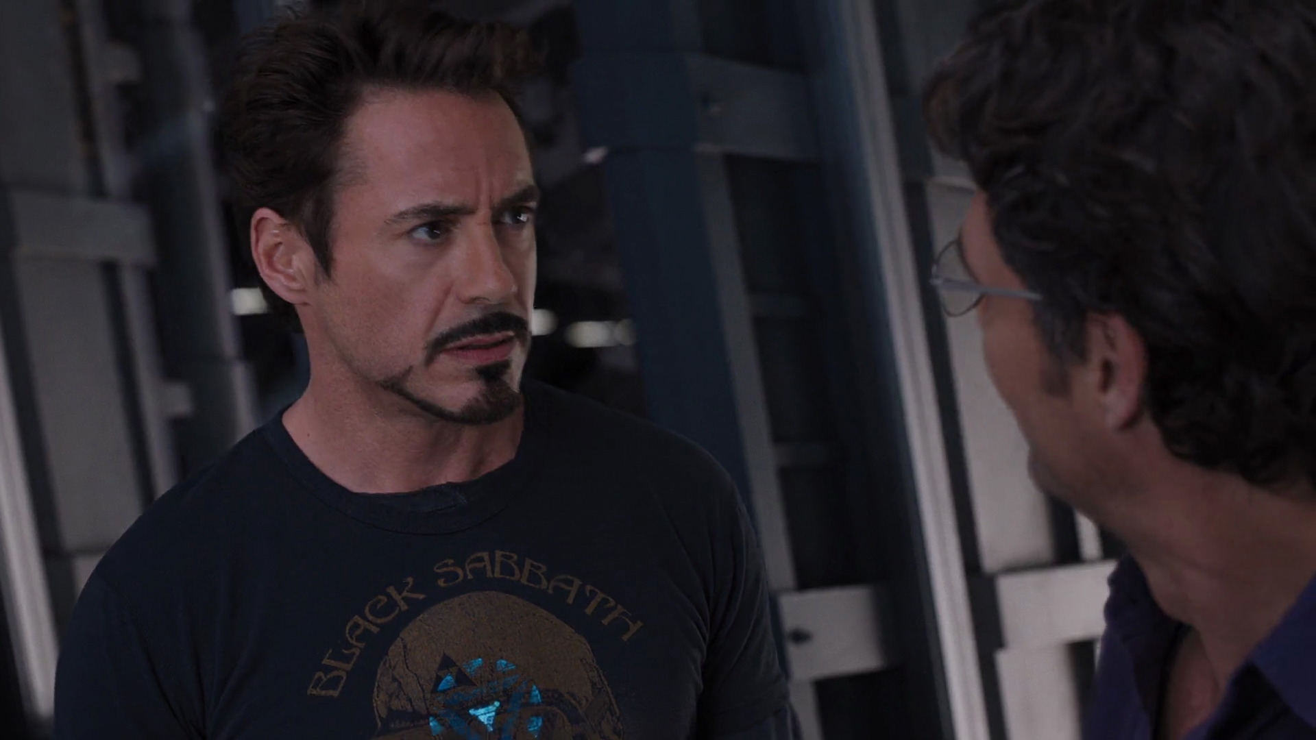 http://www.caps.media/201/2-avengers/full/avengers-movie-screencaps.com-6679.jpg