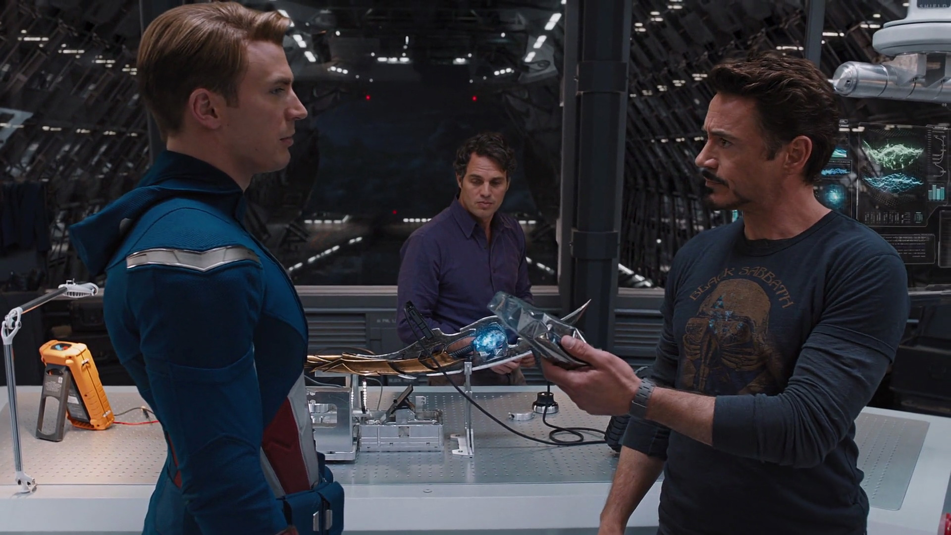 http://www.caps.media/201/2-avengers/full/avengers-movie-screencaps.com-6883.jpg
