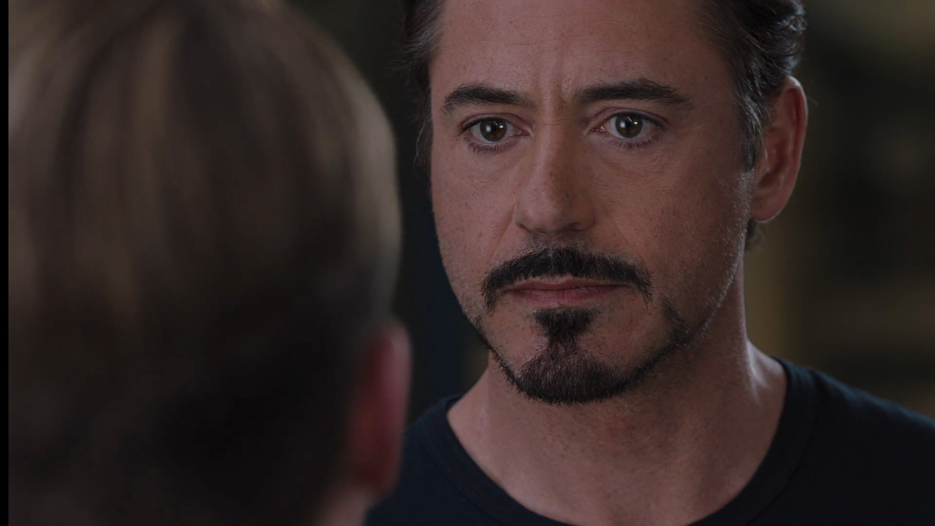 http://www.caps.media/201/2-avengers/full/avengers-movie-screencaps.com-8325.jpg